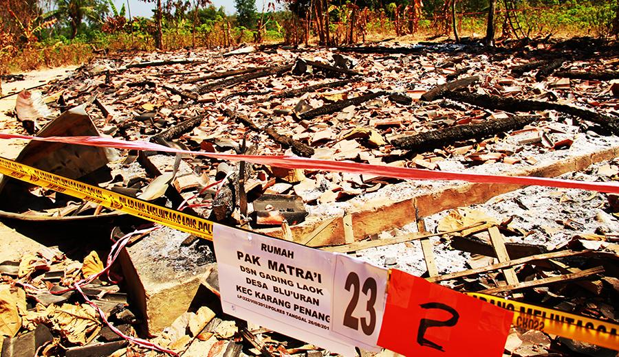 Reruntuhan Rumah Kelompok Syiah Sampang